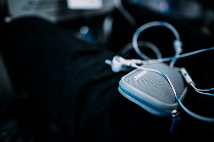 Bose QuietComfort 20 Acoustic Noise Cancelling