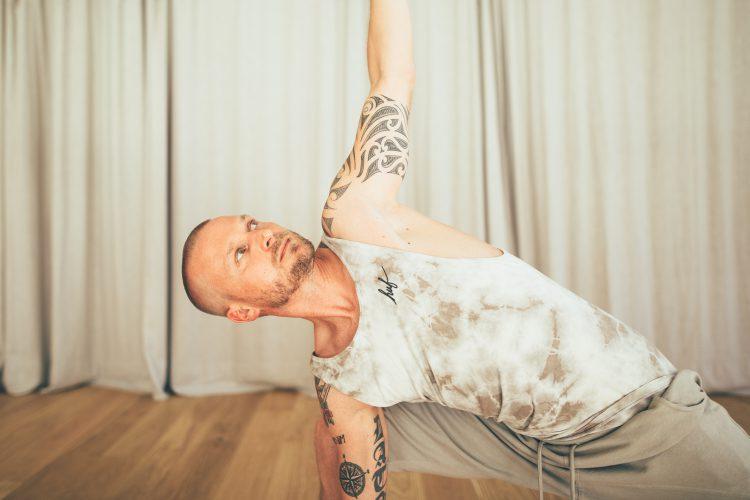 Tobias Holzinger: Yoga in Stuttgart Süd