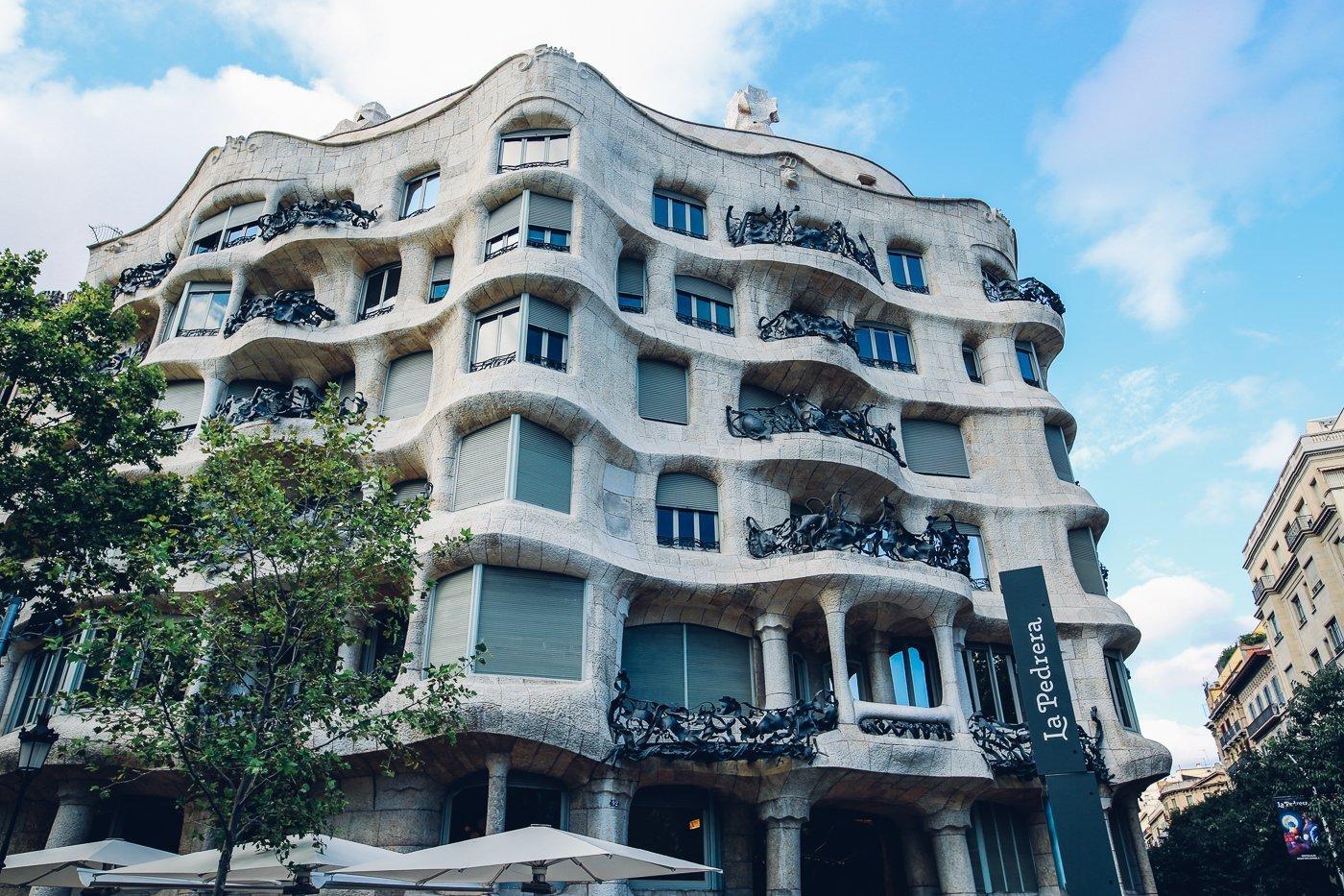 Sehensw rdigkeit in barcelona casa mil von gaud - Architekt barcelona ...